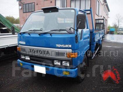 Бортовой Toyota Toyoace 1993 года в Японии
