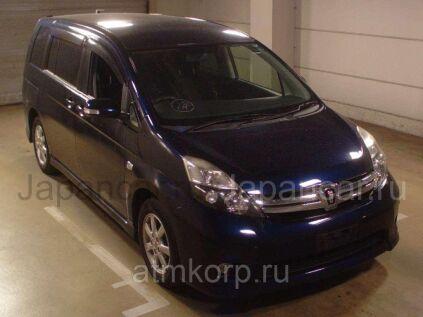 Микрогрузовик Toyota ISIS 7 в Екатеринбурге