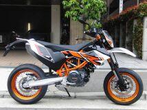 мотард KTM 690SMC R