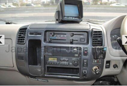 Фургон HINO DUTRO 2004 года во Владивостоке