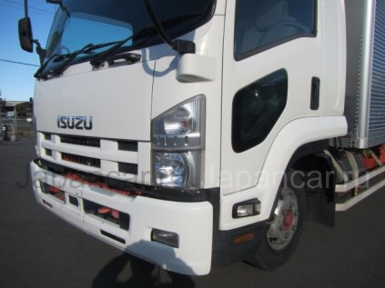 Фургон ISUZU FORWARD 2012 года во Владивостоке