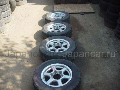 Всесезонные шины Yokohama 215/65 15 дюймов новые в Уссурийске