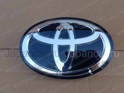 Эмблема на Toyota Land Cruiser 200 во Владивостоке