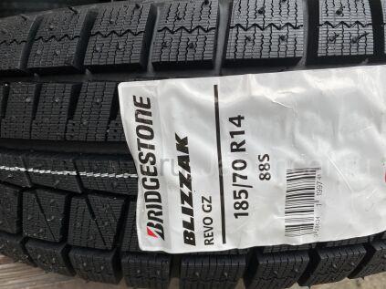 Зимние шины 2020 год Bridgestone blizzak revo gz 185/70 14 дюймов новые во Владивостоке
