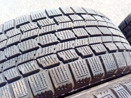 Зимние шины Dunlop Dsx-2 225/55 17 дюймов б/у в Челябинске