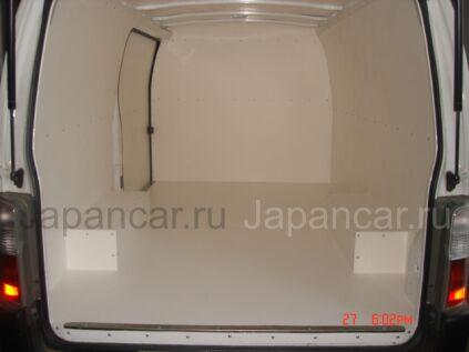 Фургон Nissan CARAVAN 2001 года в Уссурийске
