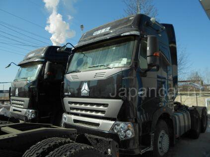 Тягач Howo Седельный тягач HOWO A7 420 2012 года в Благовещенске