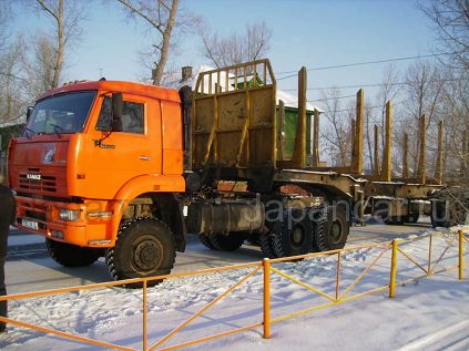 Лесовоз КАМАЗ 65225 2007 года в Иркутске