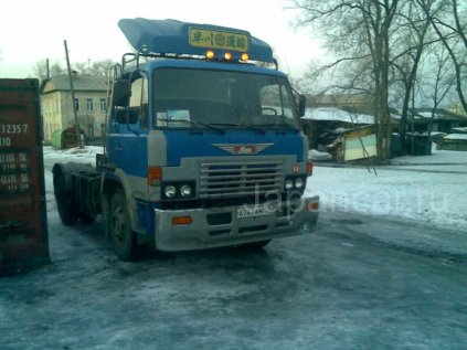 Седельный тягач Hino 198 1987 года во Владивостоке