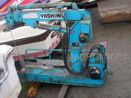 Крановая установка Unic Yashima 1990 года во Владивостоке