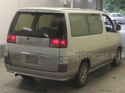 Nissan Elgrand 1998 года во Владивостоке