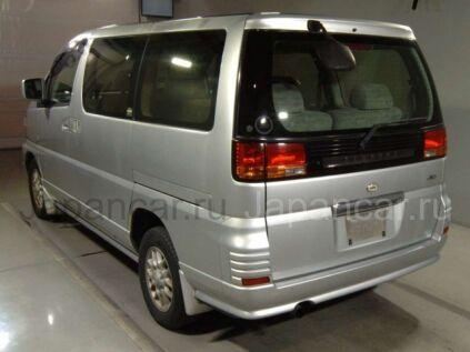 Nissan Elgrand 2001 года во Владивостоке