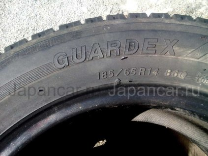 Всесезонные шины Bridgestone 185/65 14 дюймов б/у во Владивостоке