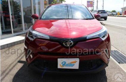 Toyota C-HR 2016 года в Японии