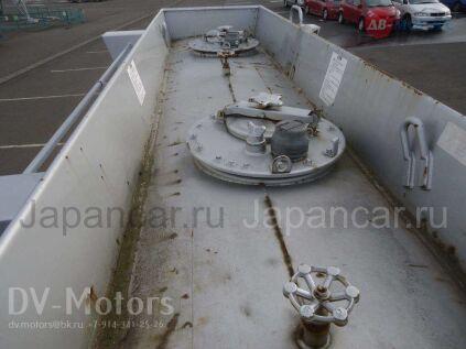 Цистерна HINO Ranger 2001 года во Владивостоке