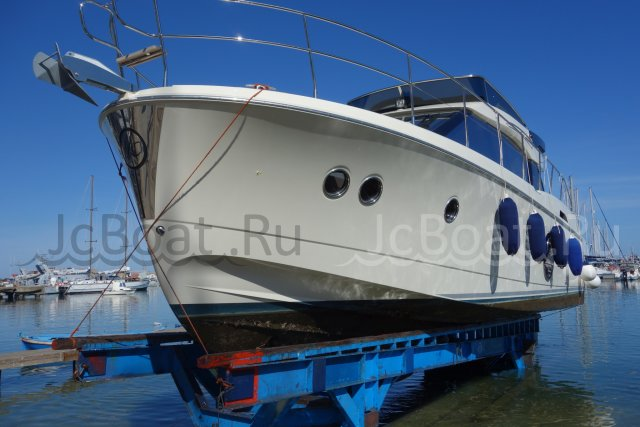 яхта моторная BENETEAU Monte Carlo 4 2016 года