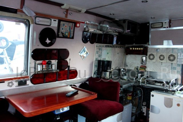 яхта моторная GRAND BANKS 46 FLY BRIDGE с доставкой 2007 года