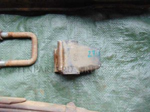 Отбойник рессоры на Isuzu ELF NHR55 4JB1