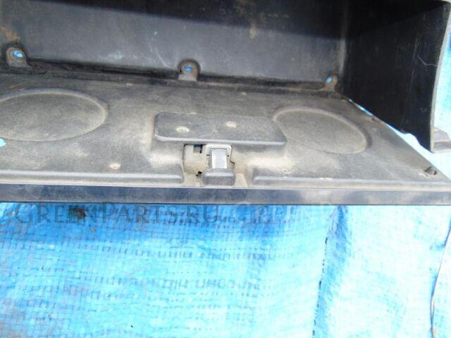 Бардачок пассажирский на Toyota Hiace LH51 2L-T