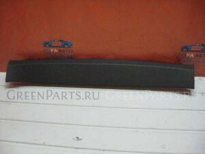 Обшивка двери багажника на Subaru Impreza