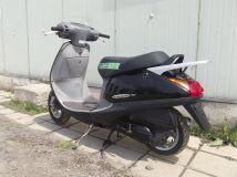 скутер HONDA LEAD