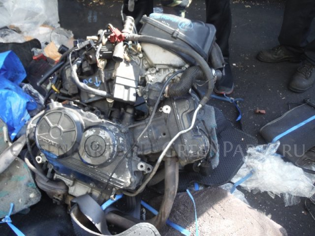 Двигатель на HONDA RC35 VFR750F RC35E