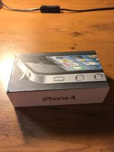 Apple iPhone 4 8Gb black+ 2 чехла