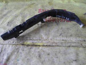Крепление бампера на Toyota Fielder NZE124