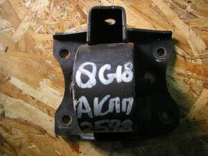 Подушка двигателя на Nissan QG18DE