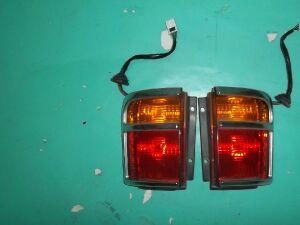 Стоп-сигнал на Nissan Elgrand AVWE50 QD32 25