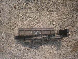Рамка радиатора на Toyota Premio NZT260, ZRT260, ZRT261, ZRT265
