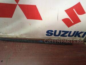 Молдинг на дверь на Nissan Cube AZ10