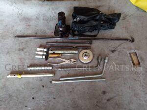 Домкрат на Toyota Hilux Surf KZN130, LN130, VZN130