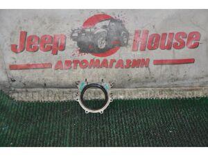 Сальник коленвала на Toyota Land Cruiser HDJ81