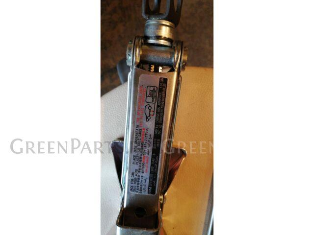 Домкрат на Honda Fit GK3,GK4,GK5,GK6,GP5,GP6