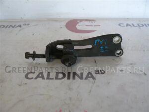 Натяжитель ролика на Toyota Caldina CT196 2C 16381-64080