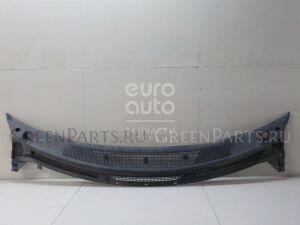 Решетка на Mazda MPV II (LW) 1999-2006 LC6250790D