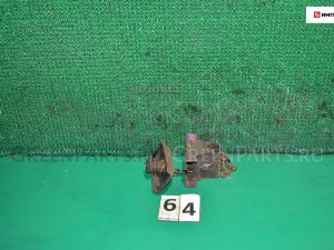 Крепление запаски на Nissan Atlas G2H41 FD42