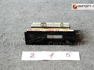 Блок управления климат-контролем на Toyota Hiace KZH100 1KZTE
