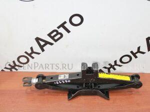 Домкрат на Toyota 125 390