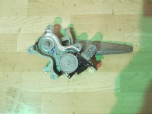 Стеклоподъемный механизм на Mitsubishi L200 (KB) 2006 >