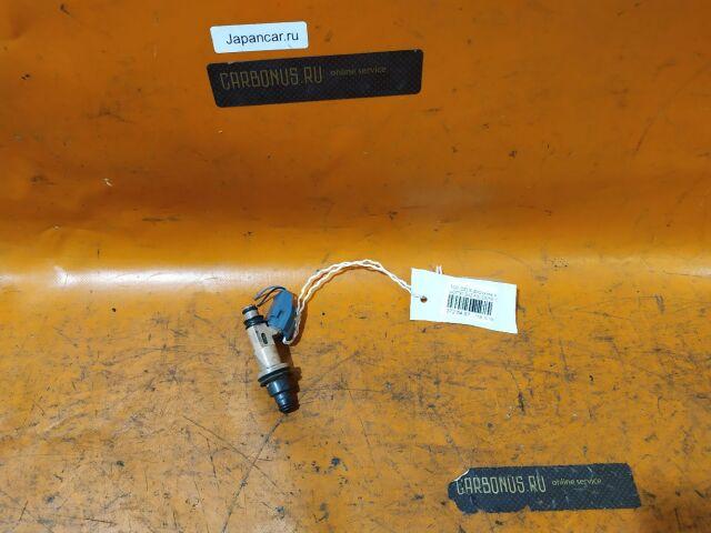 Форсунка инжекторная на Toyota Crown Majesta UZS155, UZS157 1UZ-FE