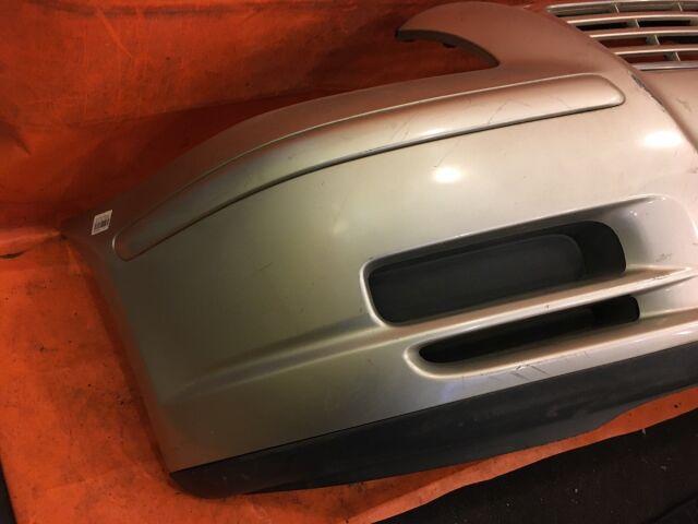 Бампер на Toyota Avensis AZT255