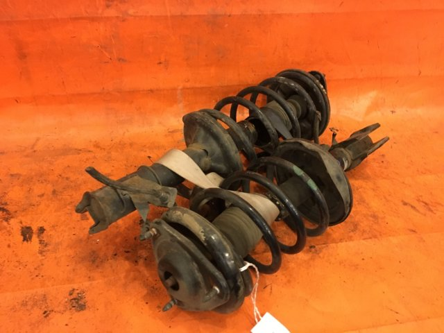 Стойка амортизатора на Mitsubishi Dion CR6W 4G94