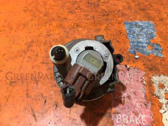 Туманка бамперная на Toyota Ist NCP60, NCP61, NCP65 52-040