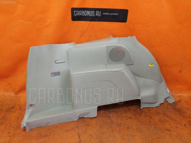 Обшивка багажника на Toyota Isis ANM15
