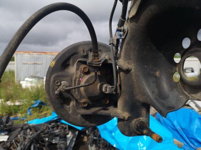Балка подвески на Toyota Vitz SCP10 1SZ-FE
