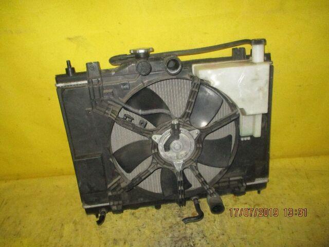 Радиатор двигателя на Nissan Tiida C11 HR15DE