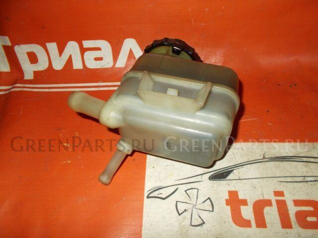 Бачок гидроусилителя на Toyota Caldina AZT246W