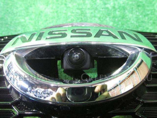 Решетка радиатора на Nissan Note SNE12 HR12DE